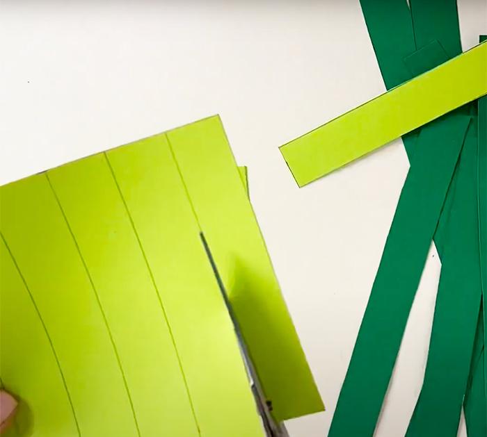 How To Make A Shamrock Garland - DIY Garland - ST. Patricks Day Decor