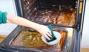 How To Clean A Non-Self-Cleaning Oven
