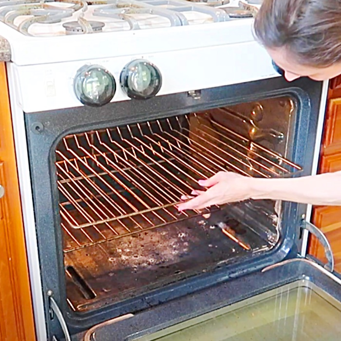 Clean A Dirty Oven - How To Clean Oven Racks - Bathtub Cleaning For Large Items