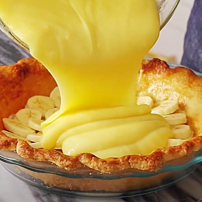 Banana Cream Pie Recipe - Easy Dessert Ideas - How To Make Banana Cream Pie