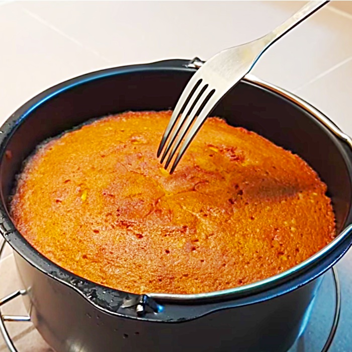 Air Fryer Butter Cake - How To Cook A Cake In An Air Fryer - Easy air Fryer Dessert