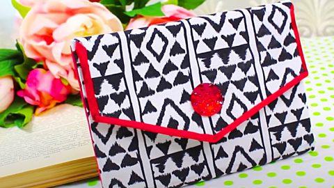 DIY No-Sew Clutch Bag | DIY Joy Projects and Crafts Ideas