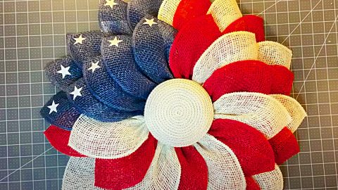 How To Make An American Flag Flower Wreath | DIY Joy Projects and Crafts Ideas