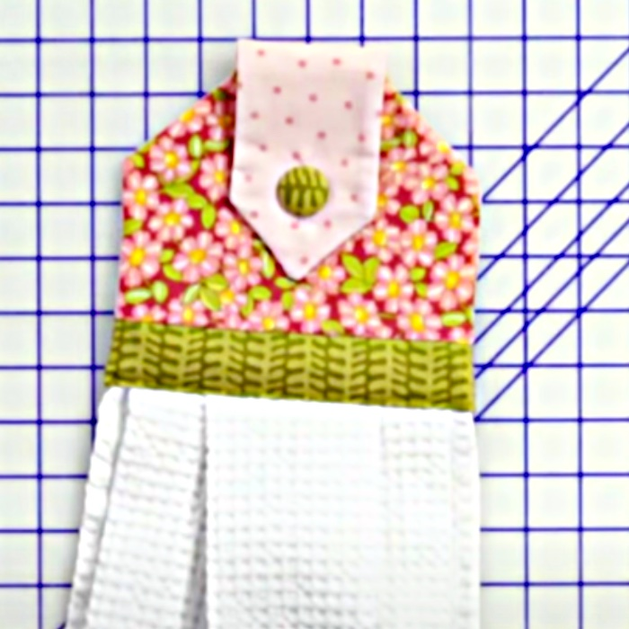 DIY Looped Tea Towel - How To Make An Attachable Tea Towel - Easy Kitchen Decor