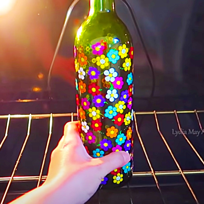 Wine Bottle Crafts - Craft Painting Ideas - Easy Recycled Lighting