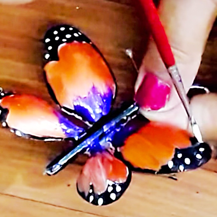 Plastic Spoon Crafts - Easy DIYs - Butterfly Projects