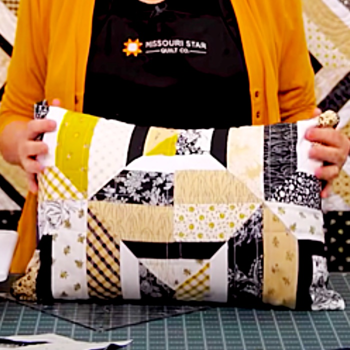 Free Quilt Pattern - How To Make A Summer Squares Quilt - Easy Quilt Pattern - Fun Sewing Ideas
