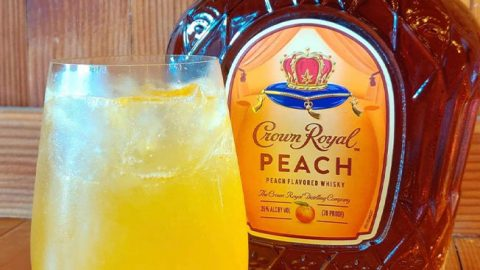 Crown Peach Paradise Cocktail Recipe | DIY Joy Projects and Crafts Ideas