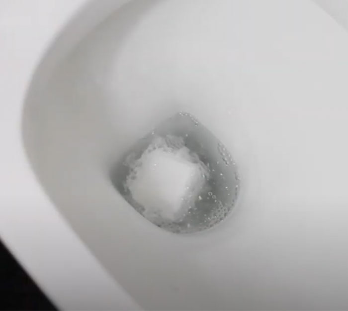 DIY Toilet Bombs - Cleaning Hacks