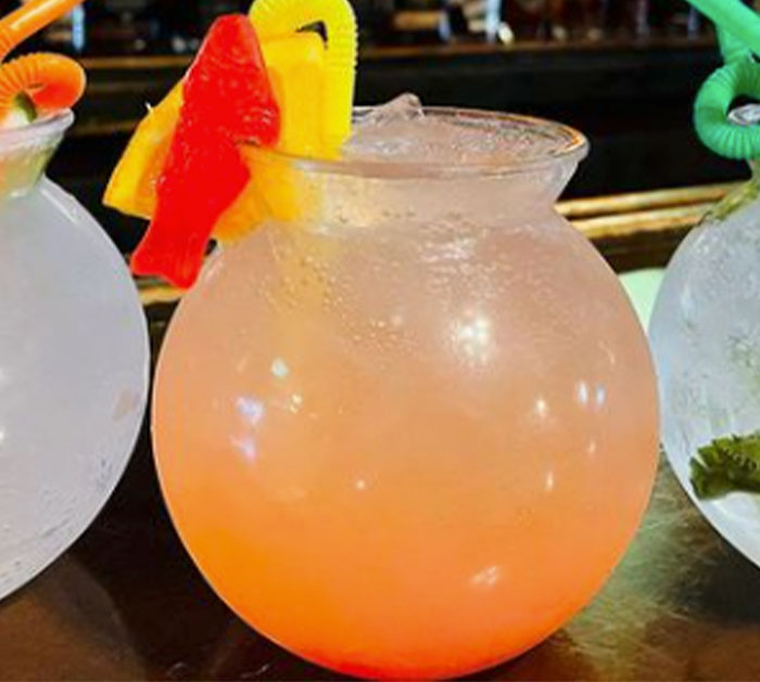 Peach Paradise Fishbowl Drink - Easy Cocktail