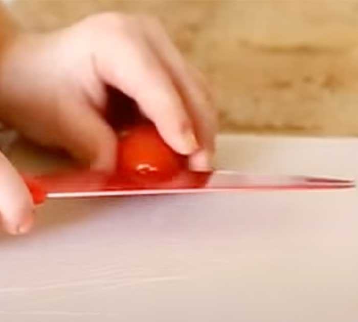 Slice Tomatoes For Tomato Bouquet - Easy Recipes
