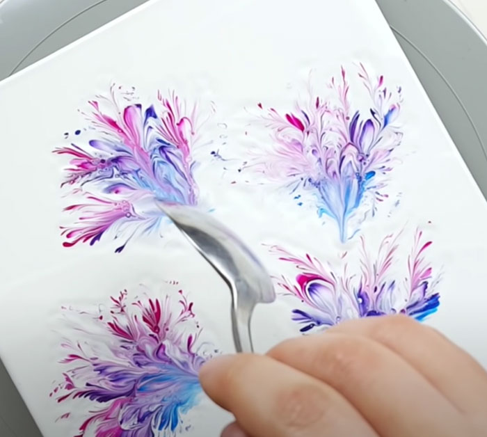 Flower Stems Painted With A Spoon - Easy Painting