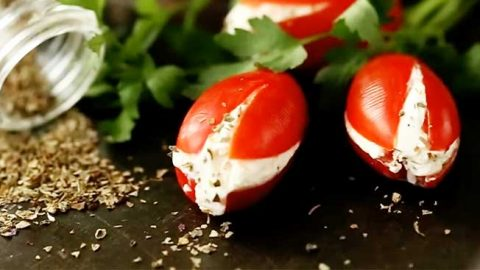 Easy Tomato Salad Bouquet Recipe | DIY Joy Projects and Crafts Ideas