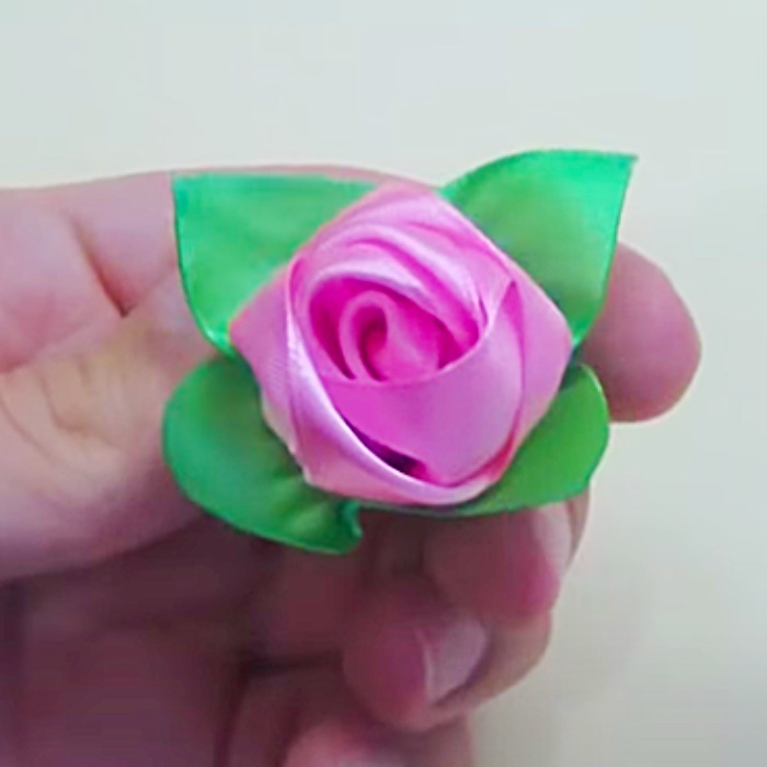 How To Make A Rose From A Ribbon - Easy DIY Bouquet - Mother's Day Present Ideas
