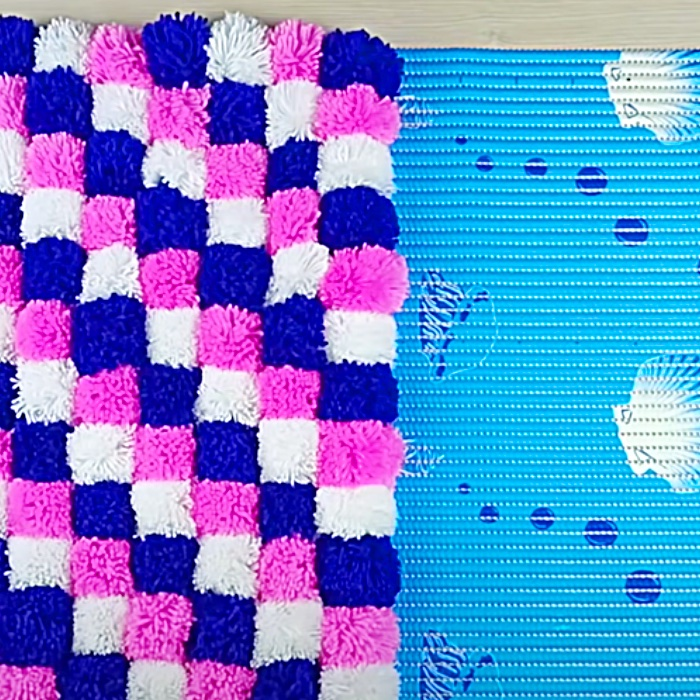 DIY Bathroom Mat - Pom Pom Rug Idea - DIY Bathroom Decor