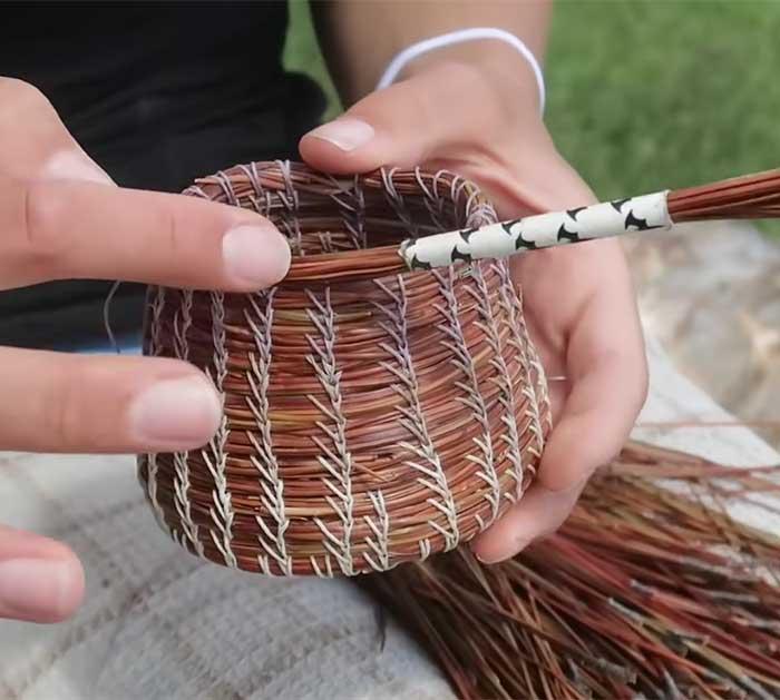 Basket Weaving Tutorial Using Pine Needles - Basket Weaving