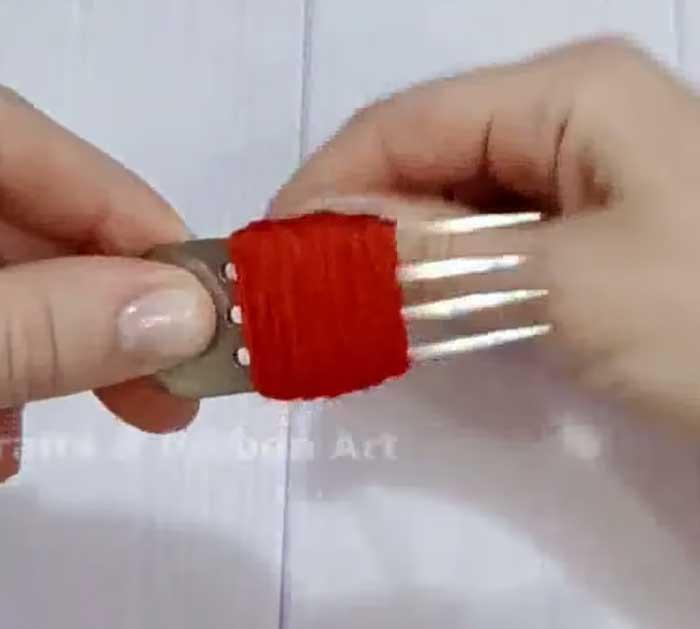 Wrap Red Yarn Around Fork - Easy Yarn Project