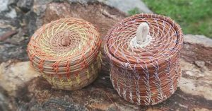 How To Make A Basket With Pine Needles