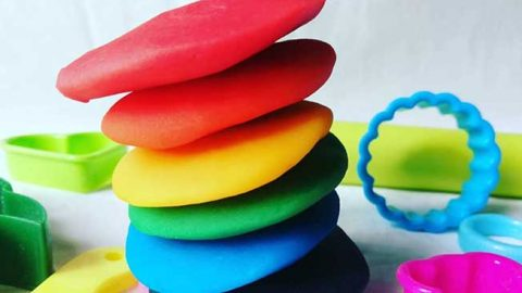 Paula Deans Homemade Play Dough   DIY Joy Projects and Crafts Ideas