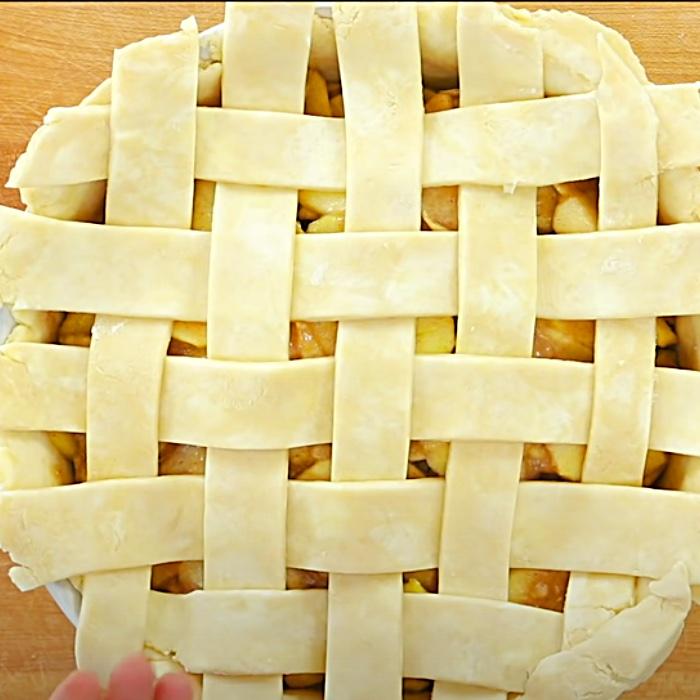 How To Make A Lattice Pie Crust - Easy Butter Pie Crust Recipe - Apple Pie Recipe
