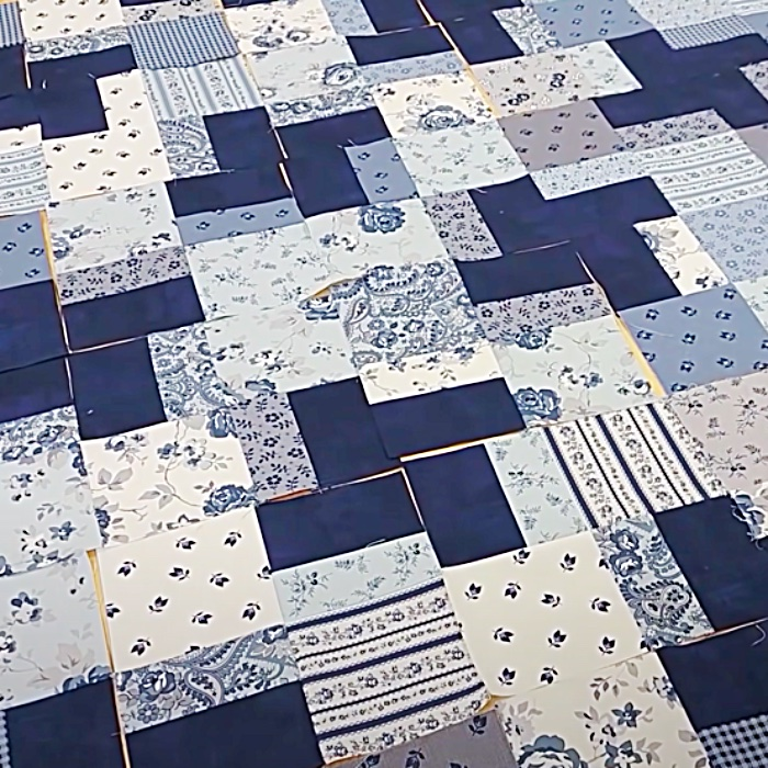 Layer Cake Easy Quilt - One Day Quilt - Easy sewing Pattern - Fun Sewing Project