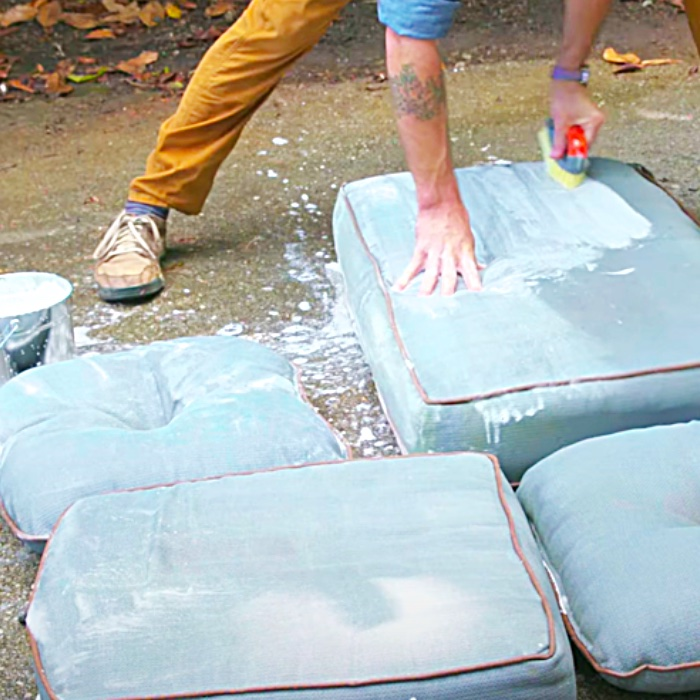 How To Clean Mildew Off Outdoor Cushions - Easy Outdoor Cleaning Hacks - Easy Ways To Clean Outdoor Fabric Items