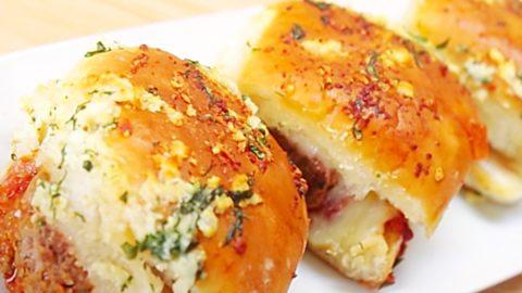 Garlic Bread Meatball Sliders Recipe | DIY Joy Projects and Crafts Ideas