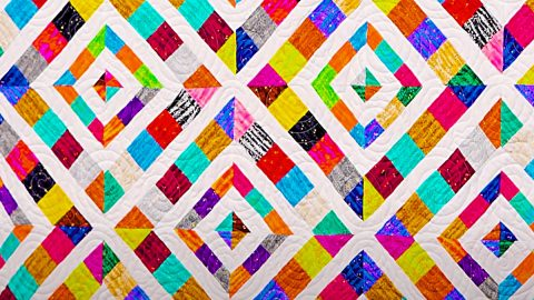 Triple Play Missouri Star Paper Piecing Quilts | DIY Joy Projects and Crafts Ideas