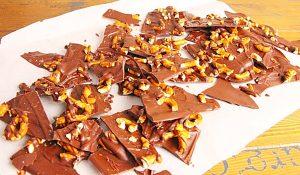 3-Ingredient Sea Salted Chocolate Pretzel Bark Recipe