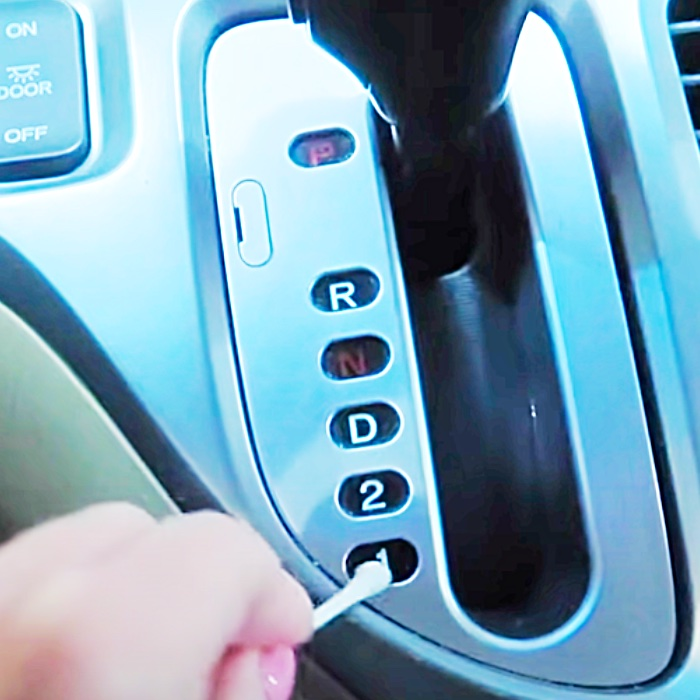Clean A Car With Cotton Swabs - Easy Cotton Bud Ideas - Car Cleaning Hacks