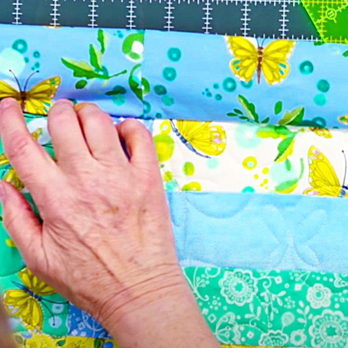 How To Make A Self Binding Quilt - Easy Quilt Ideas - Free Quilt Pattern