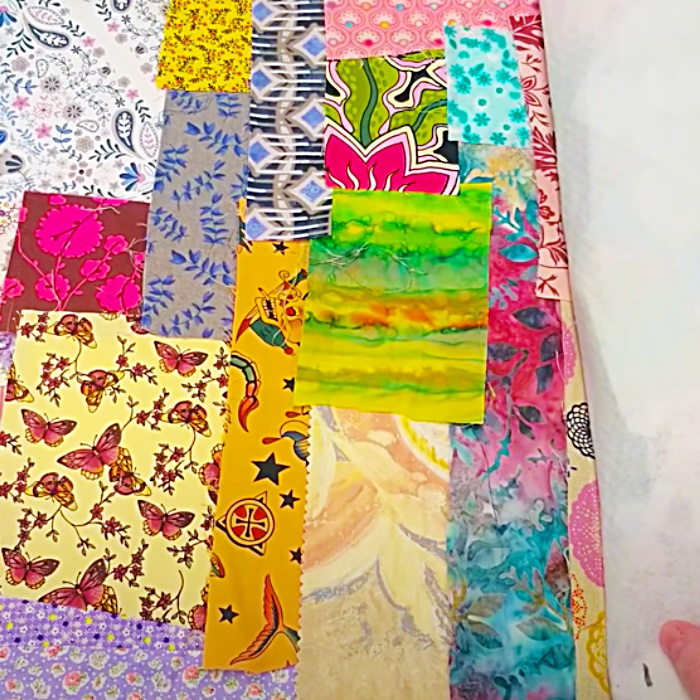 Easy Sewing Pattern - How To Make A Sewing Mat - Scrappy Quilting Ideas