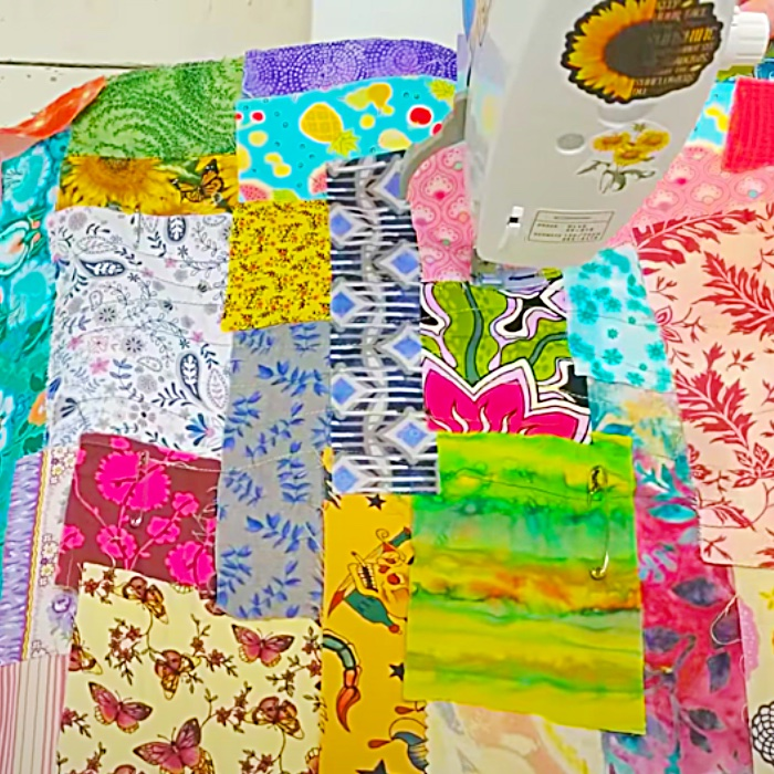 Fun Sewing Project - Cheap Sewing Project - East Sewing Mat Ideas - Scrappy Quilting Project
