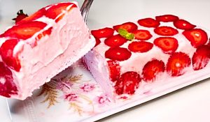 3-Ingredient Strawberry Ice Cream Log Recipe