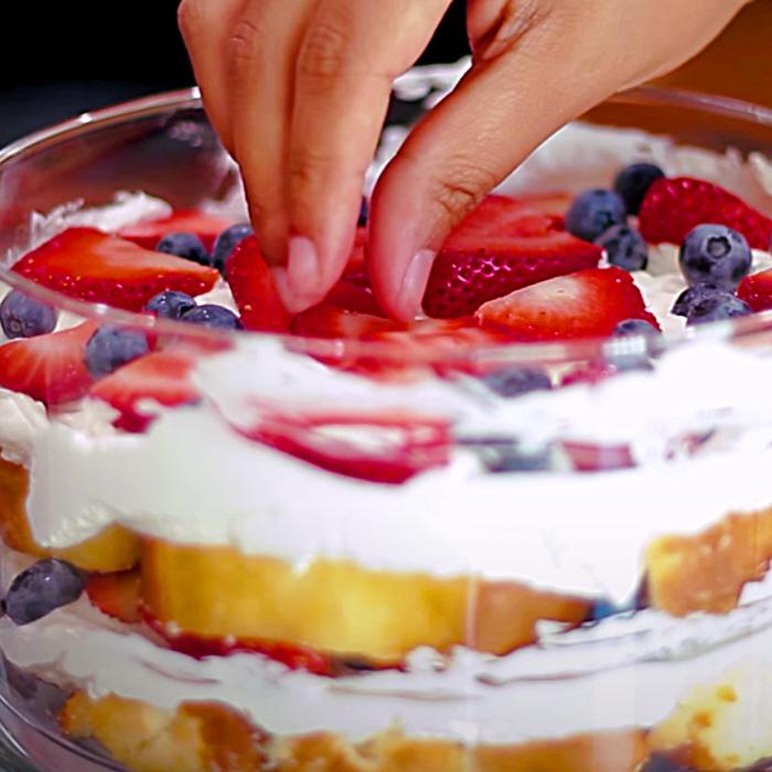 Strawberry Trifle Recipe - Easy Trifle Dessert - How To Make A Strawberry Trifle - Strawberry Shortcake Ideas