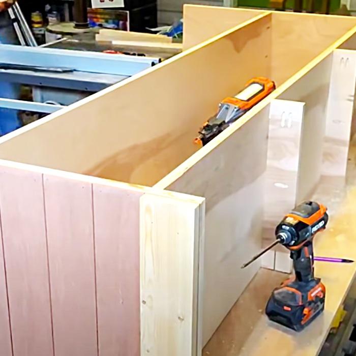 DIY Farmhouse TV Stand - Easy Woodworking Ideas - DIY Farmhouse Furniture - How To Make A TV Stand