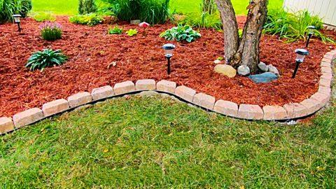 Easy No-Dig Garden Border | DIY Joy Projects and Crafts Ideas