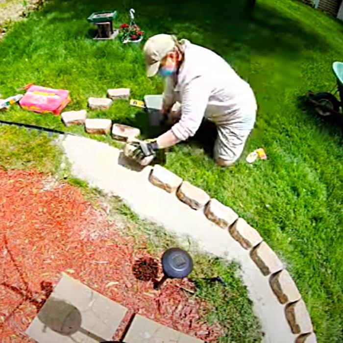 Easy No-Dig Garden Border - How To Make A Garden Border - Garden Bed Border - DIY Outdoor Ideas - DIY Garden Ideas