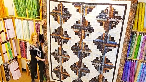 Jelly Roll Log Cabin Quilt With Free Pattern | DIY Joy Projects and Crafts Ideas