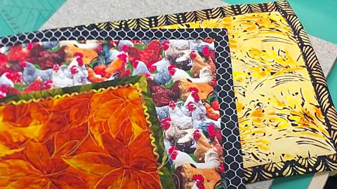 How To Make A Self-Binding Quilted Placemat | DIY Joy Projects and Crafts Ideas