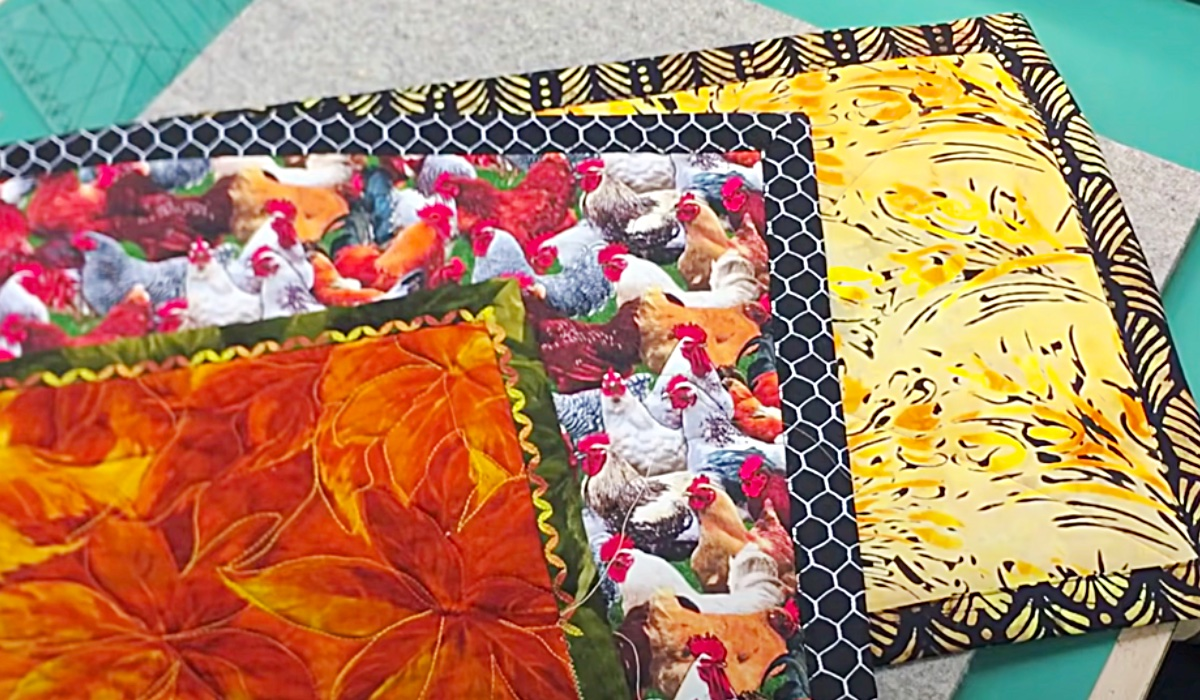 How To Make A Self Binding Placemat - Easy Placemat Ideas - Fun Sewing Project - Easy Sewing Pattern