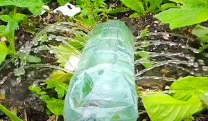 5-Minute Soda Bottle Sprinkler