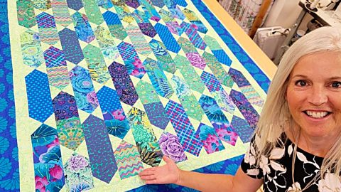 Fat Quarter Upstream Quilt With Donna Jordan | DIY Joy Projects and Crafts Ideas