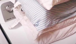 Easy Way To Clean Yellowed Pillows In The Washing Machine