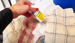 How To Whiten Clothes With An Aspirin