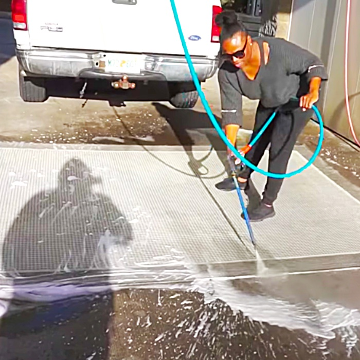 Easy Way To Wash A Rug At The Car Wash - How To Pressure Wash A Rug - Easiest And Cheapest Way To Clean A Rug