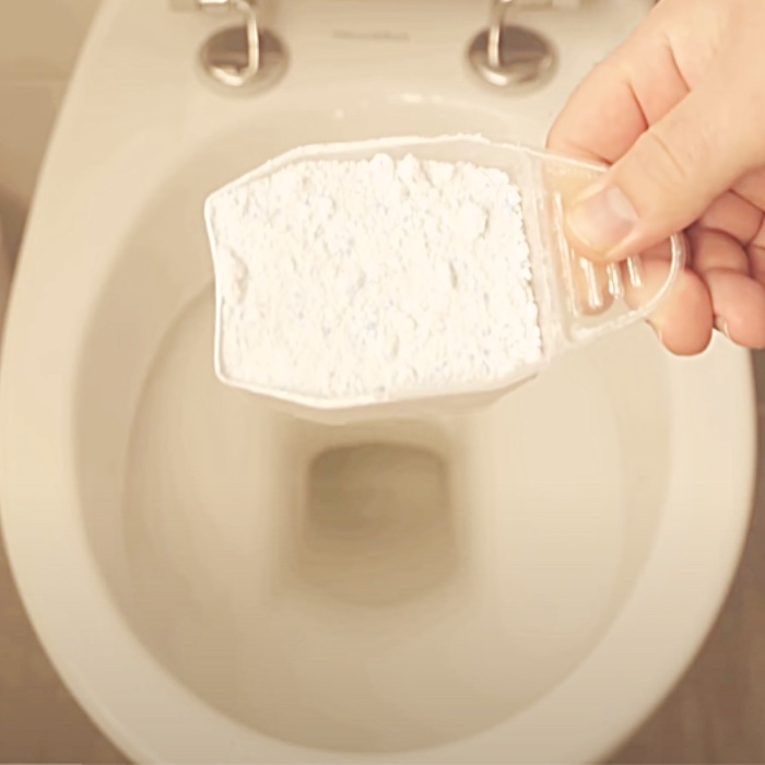 How To Clean A Toilet With Laundry Powder - Toilet Cleaning Hacks - Bathroom Cleaning Hacks