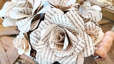 How To Make Flowers Out Of Book Pages   DIY Joy Projects and Crafts Ideas